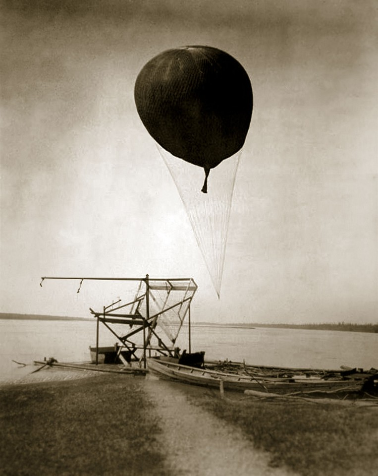Oliver Wasow, Weather Balloon 2008, Archival inkjet